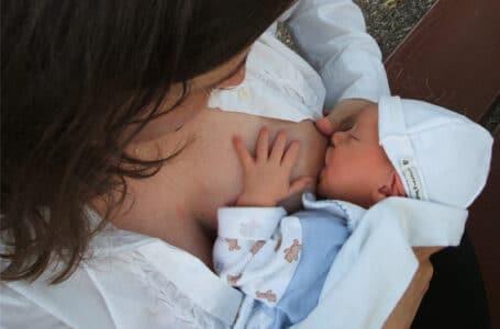 ¿Necesita mi bebé un suplemento de leche artificial?