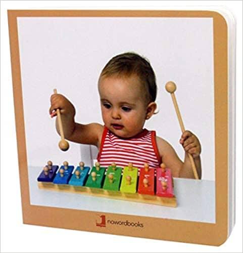 Bebé con xilofono