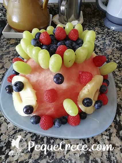 tarta de cumpleaños de frutas