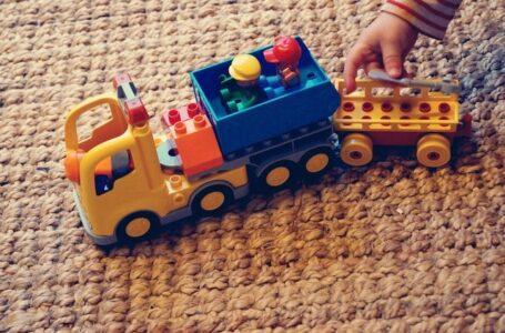 La importancia de las alfombras infantiles en el movimiento libre